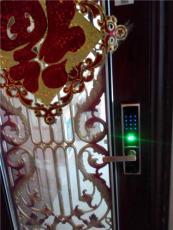 成都防盗门 木门指纹密码锁的销售安装
