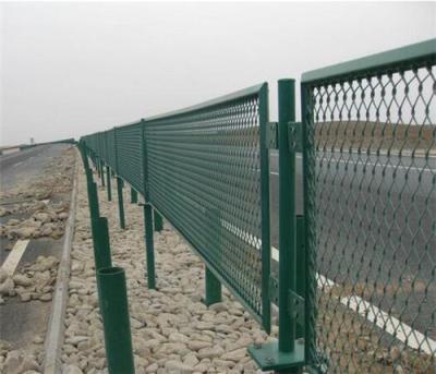新疆乌鲁木齐围栏网厂家