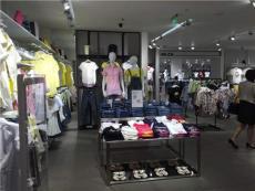 展柜厂家专业定制服装展柜分享展柜制作标准