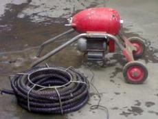 天津万达附近大型机器疏通难通的管道
